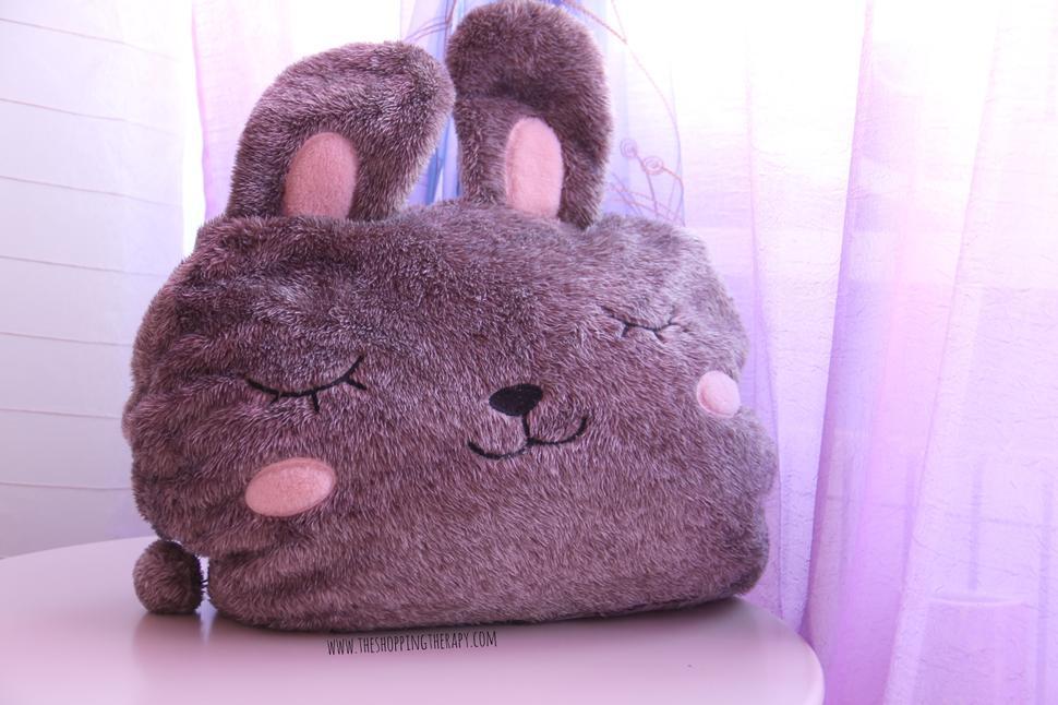 cuscino coniglio con coperta plaid
