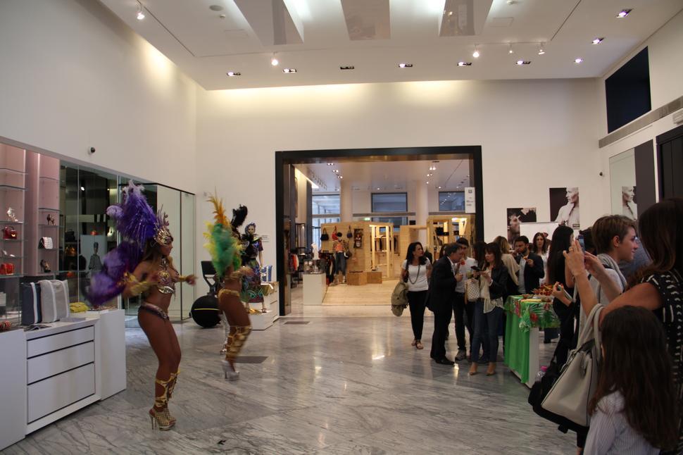 white gallery roma evento patricia al'kary bags
