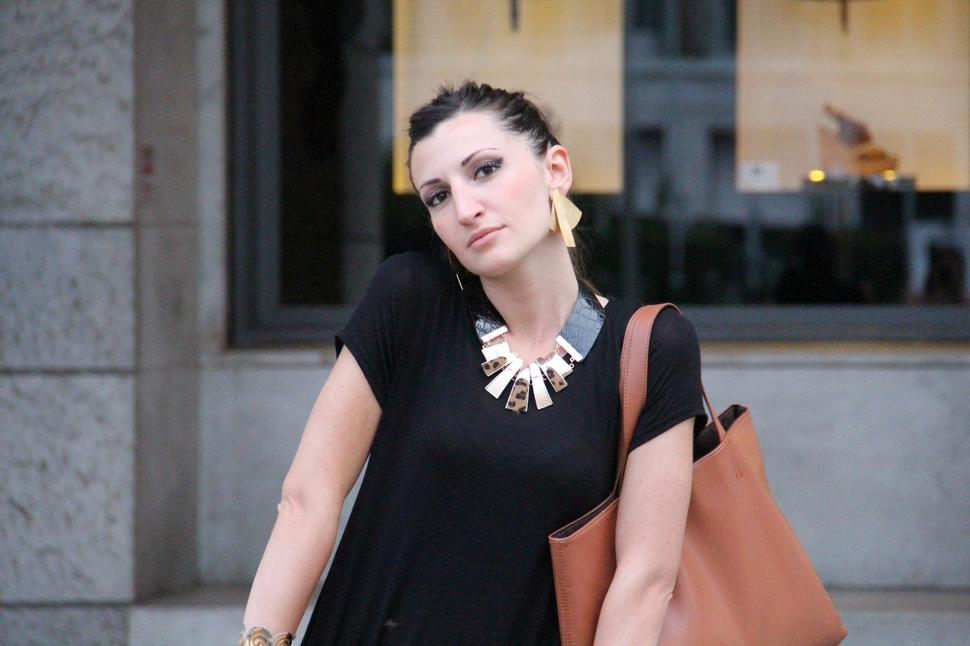 fashion blogger roma black outift