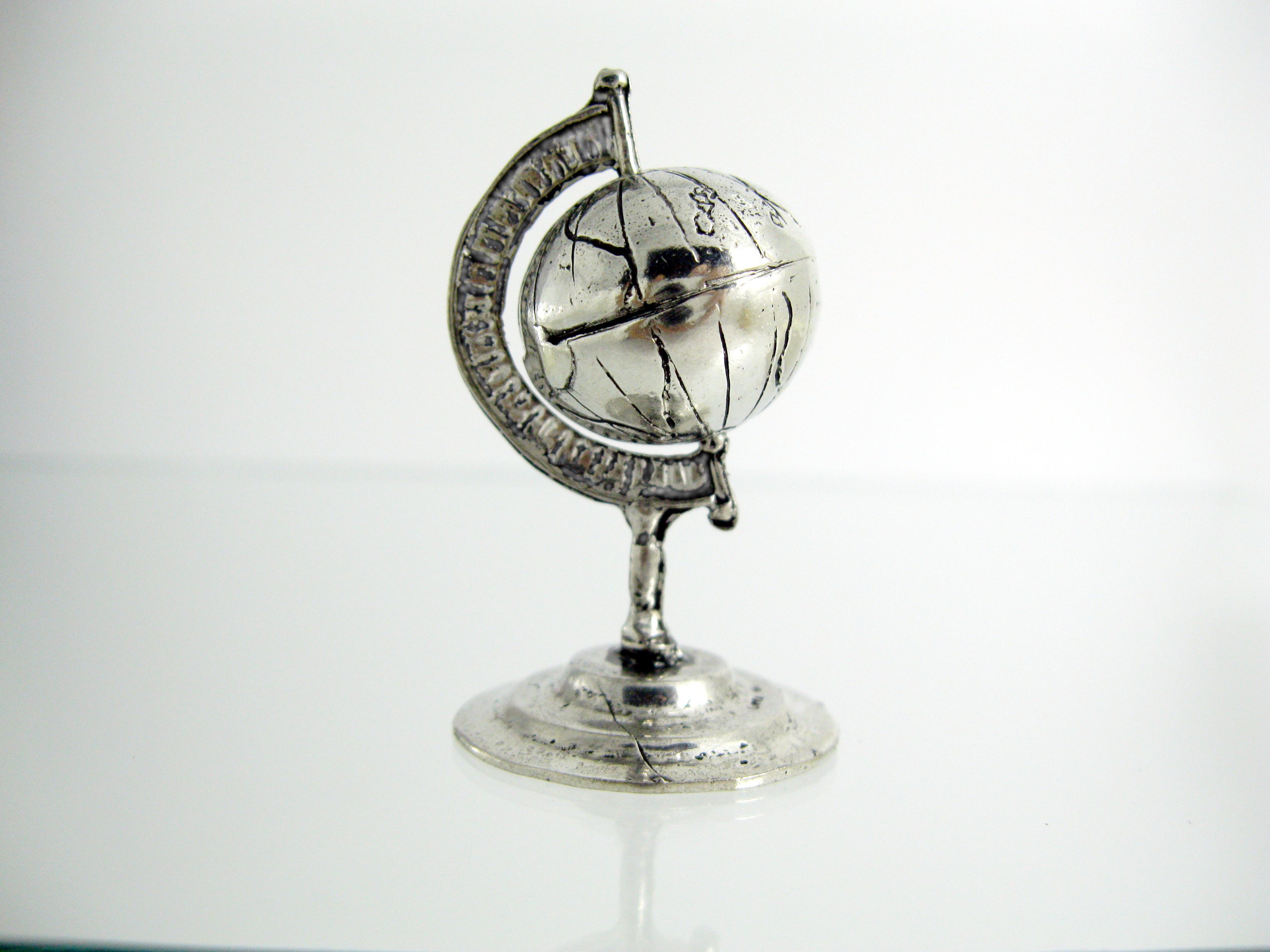 Mappamondo argento globo bomboniere laurea gioiello for Laurea in design