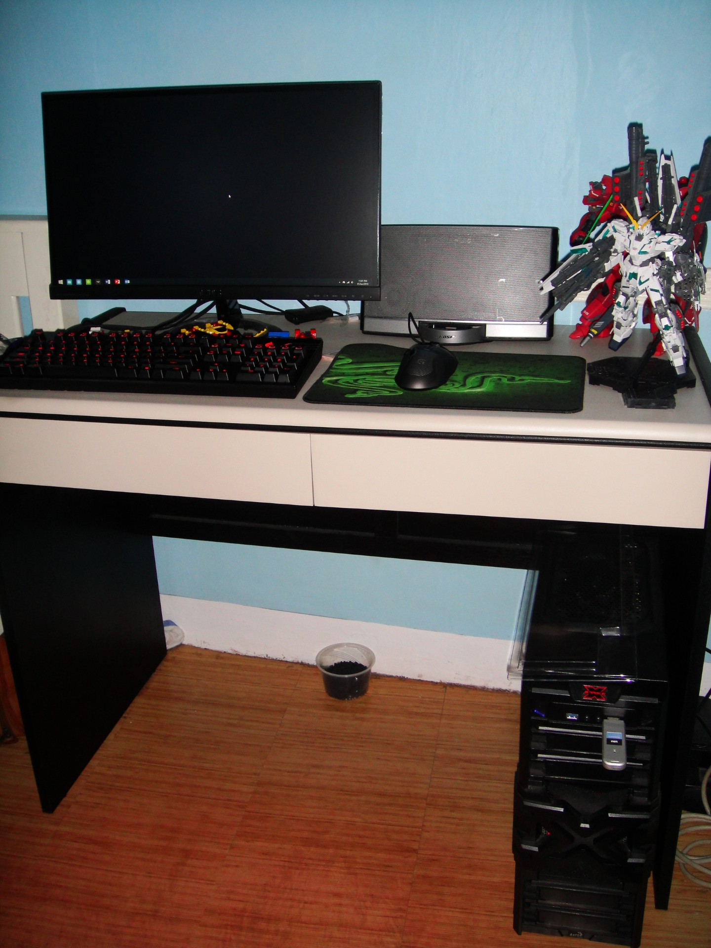 WorkstationSmall.jpg