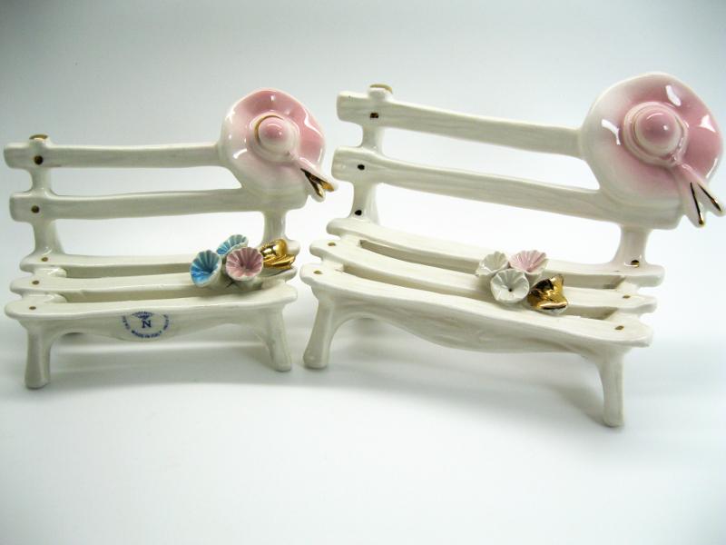 Panchina miniatura da collezione bomboniere ceramica capodimonte